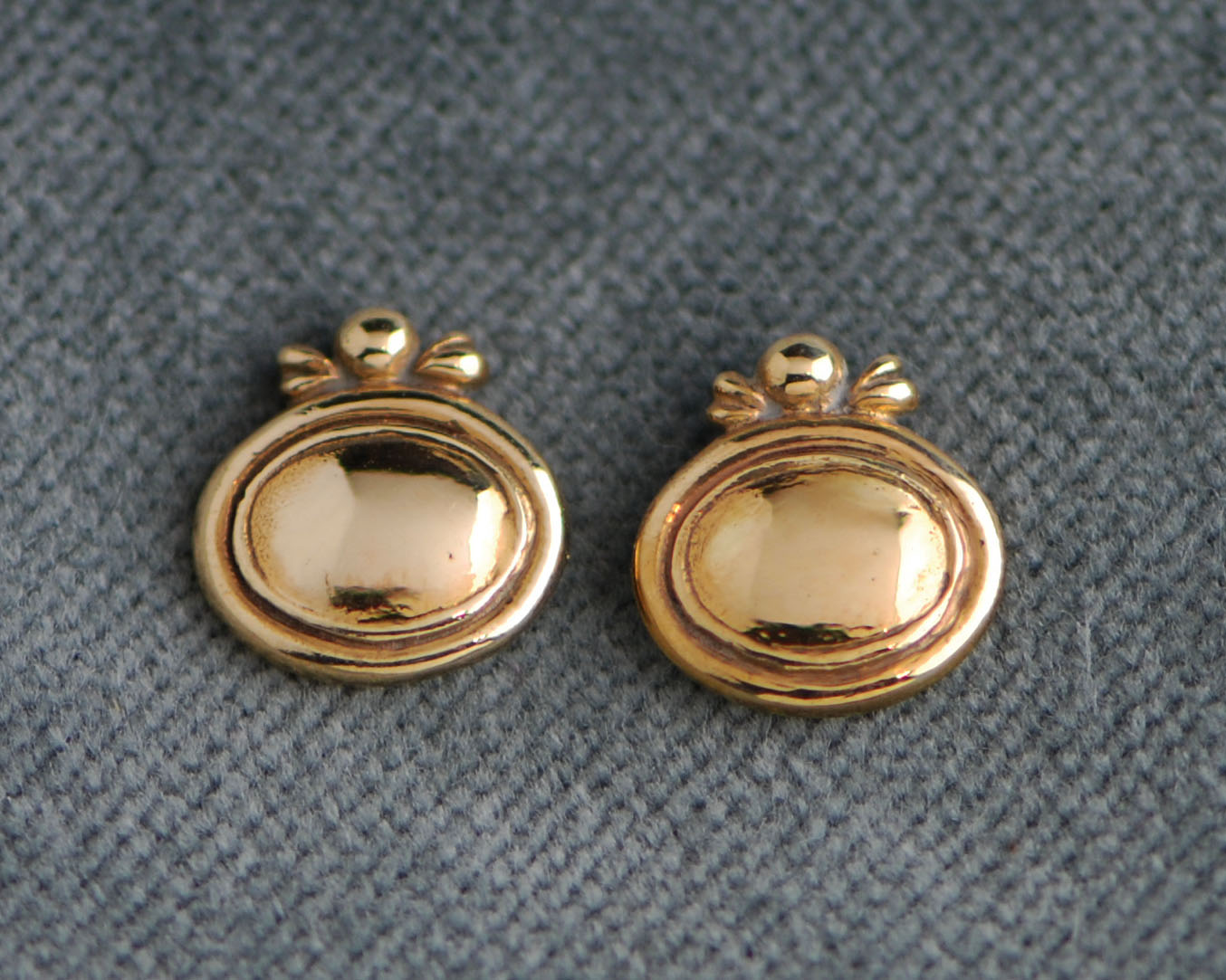 3340-Gold Dome Studs