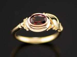 Garnet Ring-01