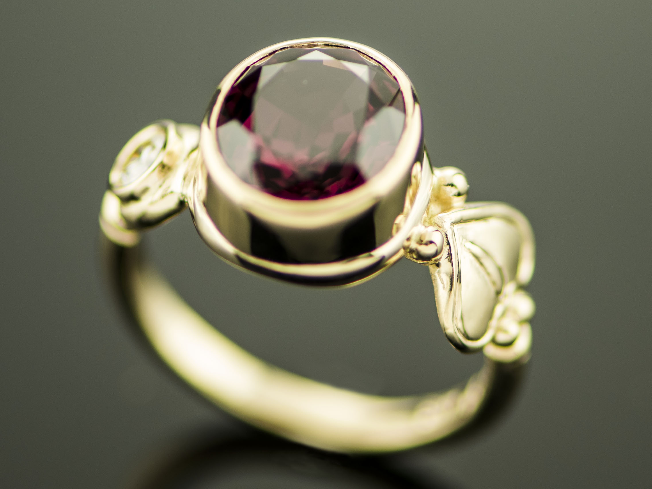Rhodolite & Diamond Ring-03